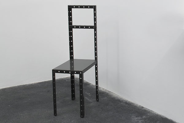 Robert Wilson - Hamlet Machine, chaise