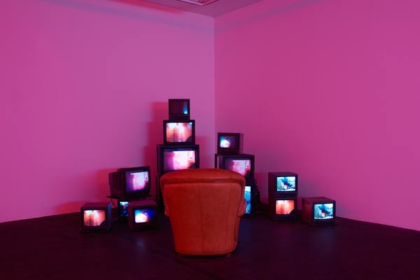 Liv WYNTER - Housefire, Installation